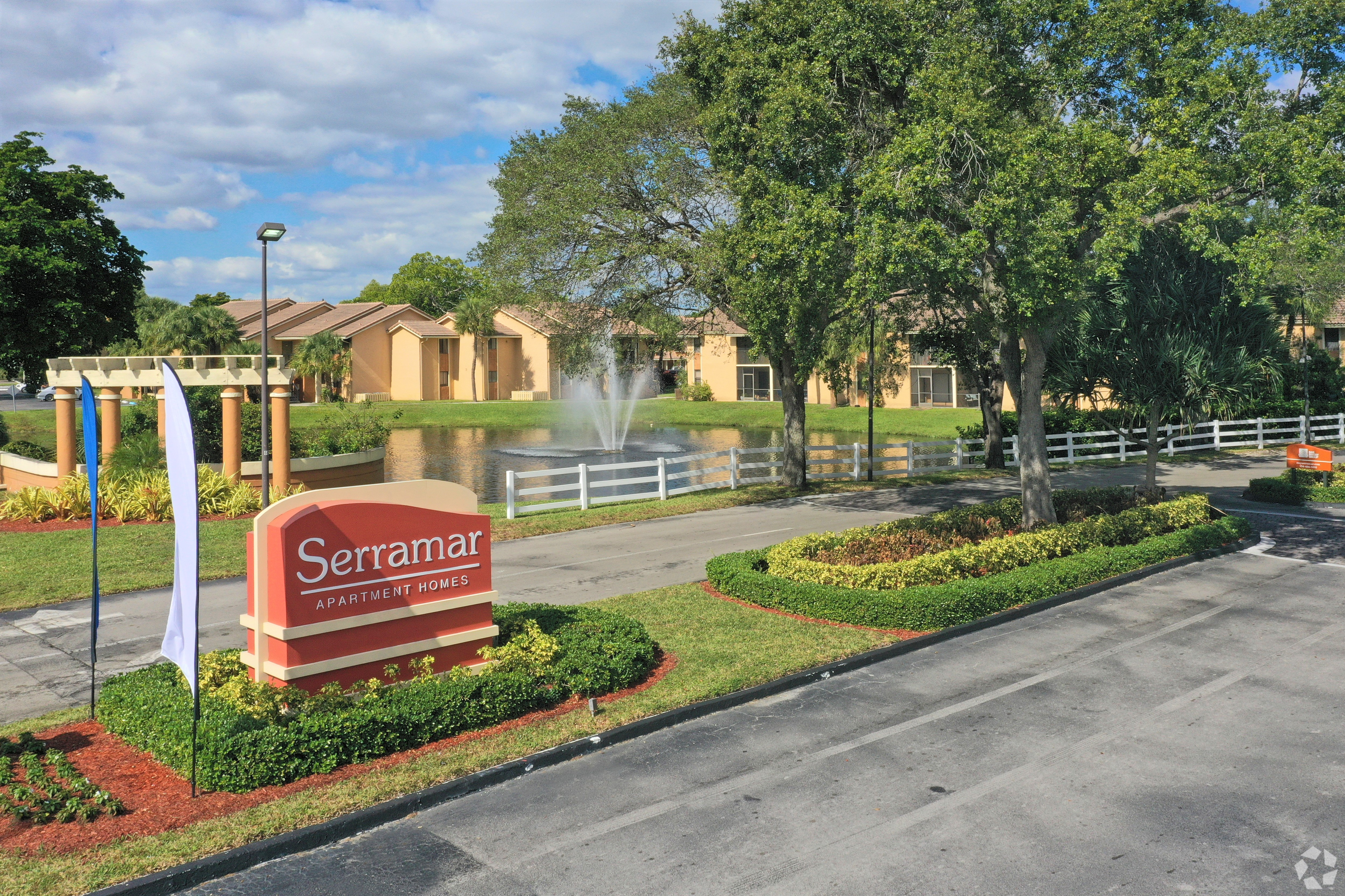 Serramar Apartments