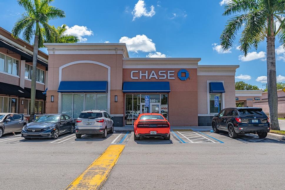 NNN Chase Bank